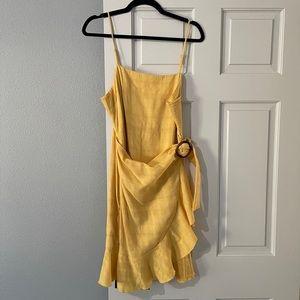 Yellow faux wrap dress 💛💛